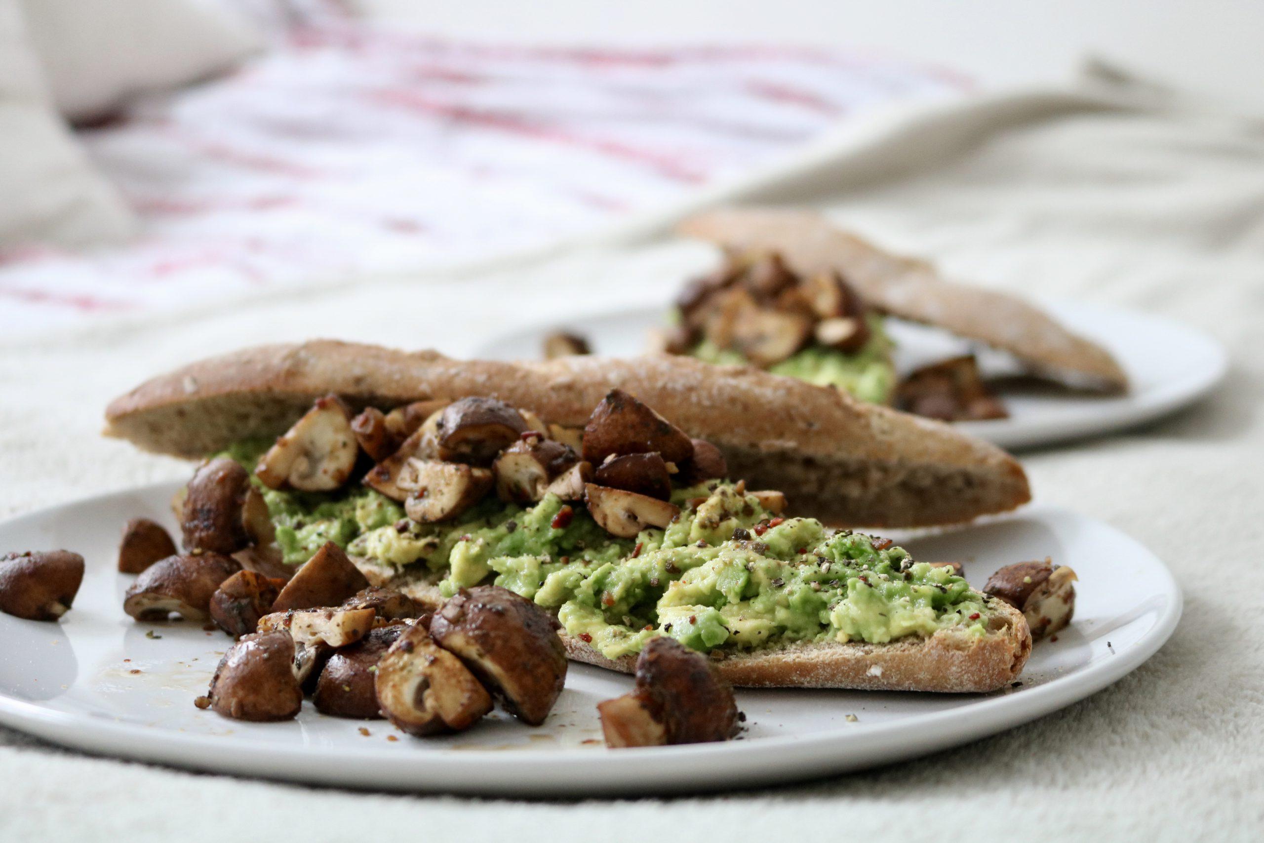 Avocado Sandwich with Mushrooms