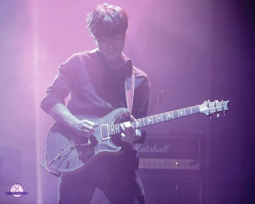 guitarist Jo Dae Min at Jung joon Young solo concert in Seoul 20170225.jpg
