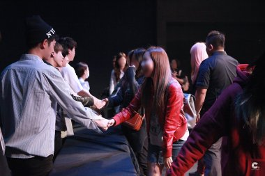 high touch at jung joon young concert in Taipai 20170319