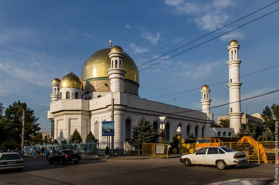 Central Mosque of Almaty, Kazakhstan, things to do in Kazkhstan, kazakhstan travel guide, places to visit in kazakhstan, Kazakhstan travel itinerary