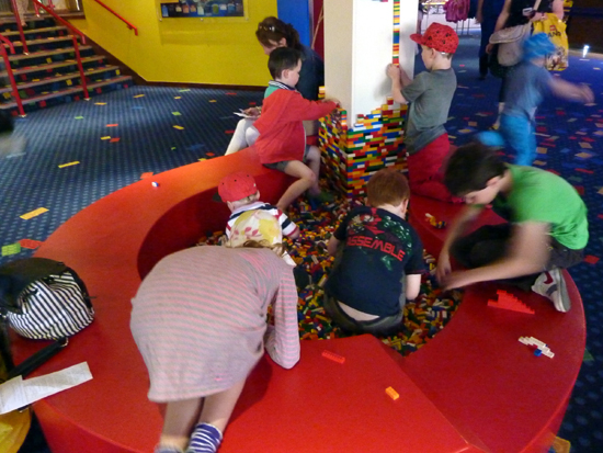LEGOLAND Windsor Resort Hotel – LEGO brick pit in Reception