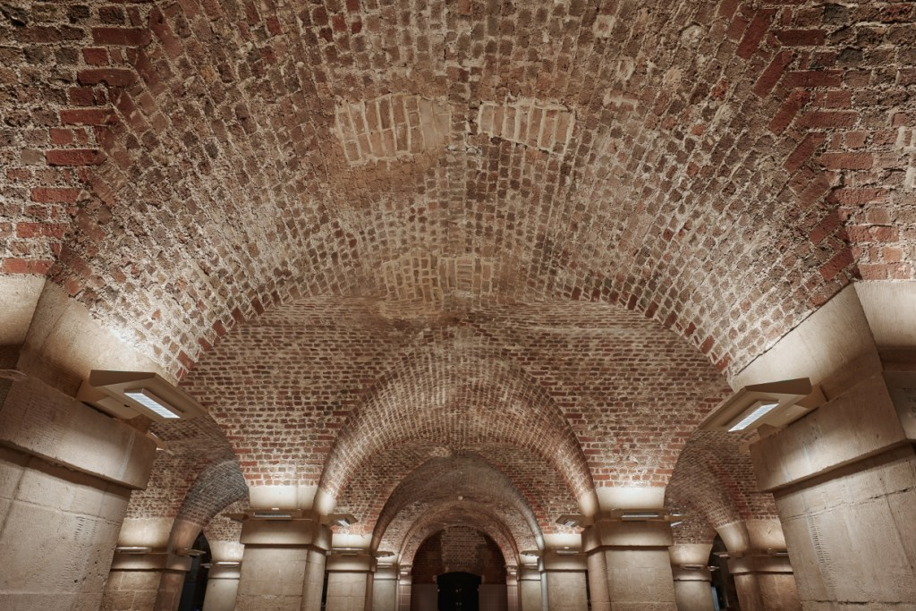 Café in the Crypt vaulted ceiling