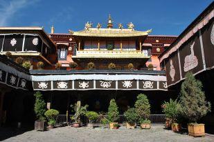 Jokhang temple entrance