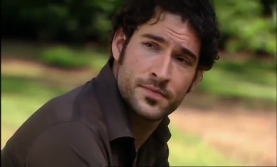 Tom-Ellis-Monday-Monday-01x05-29111