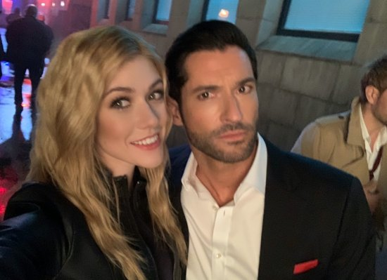 Kat_McNamara Tom Ellis CrisisOnInfiniteEarths (1)
