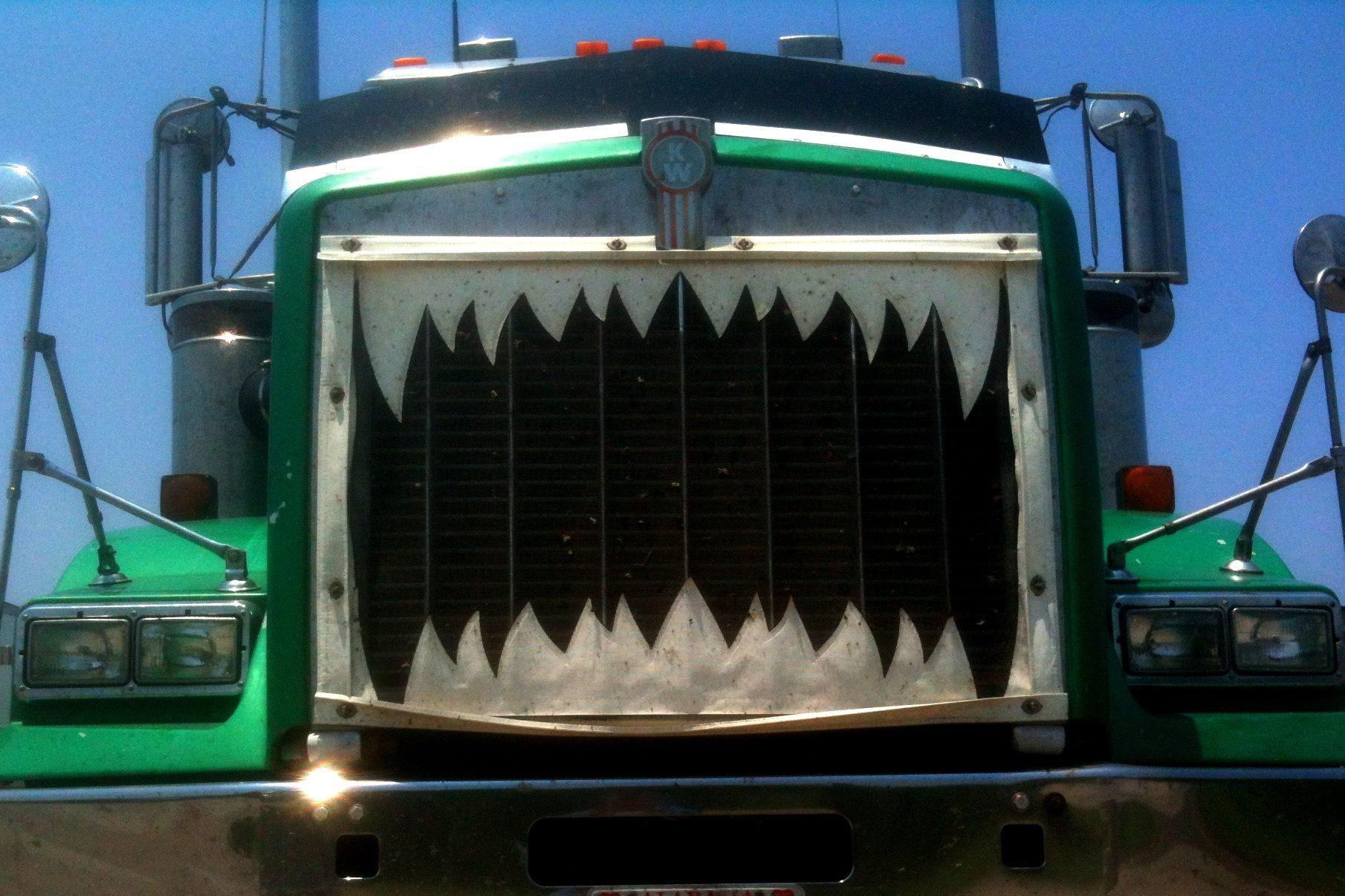 Truck teeth