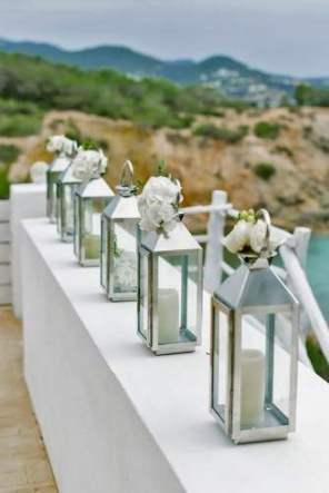 lantern-wedding-centerpiece-ana-lui-photography-334x500