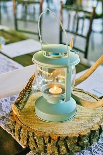 lantern-wedding-centerpiece-jeannine-marie-photography-334x500