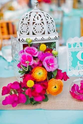lantern-wedding-centerpiece-jessica-bordner-photography-334x500