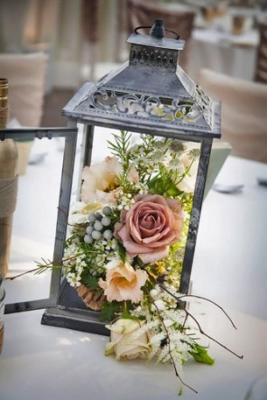 lantern-wedding-centerpiece-niki-mills-photography-334x500