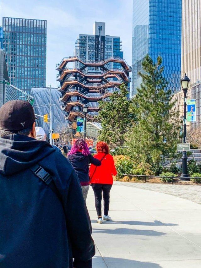 Hudson Yards-walking over