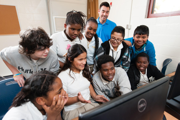 Students-at-Northwoods-Middle-School-in-North-Charleston-South-Carolina-582x387