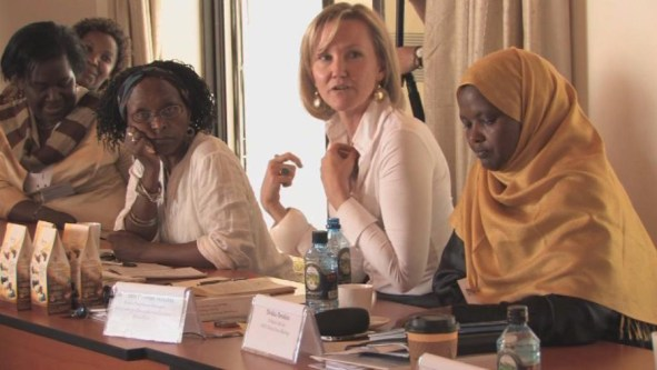 Roundtable on the role of women in the Kenya 2008 peace process. Photo: http://www.hdcentre.org