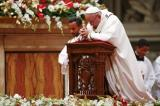 Pope's Christmas Message Offers Hope In World Hit By Terrorism, War