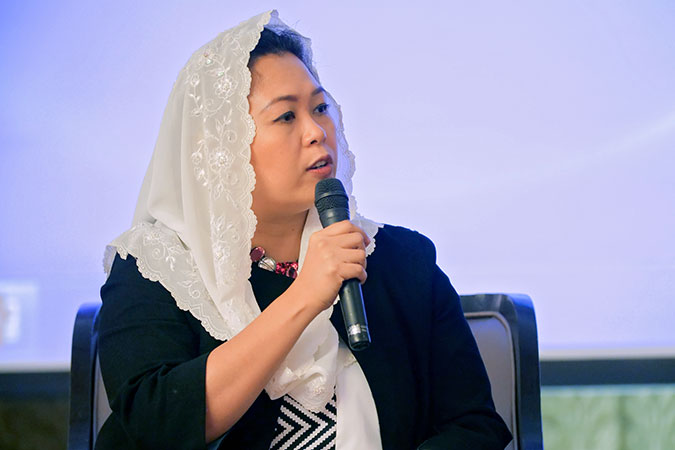 "Yenny Wahid, head of the Wahid Foundation in Indonesia at the ""Engaging communities in approaches to countering violent extremism and incitement,"" Forum in Bangkok. Photo: UN Women/Stuart Mannion"