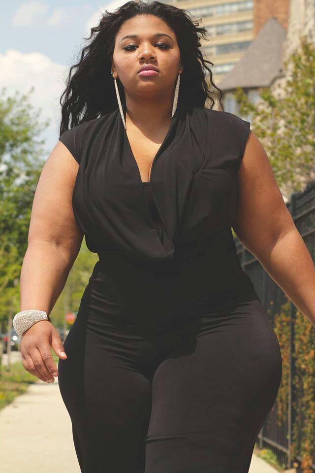 black-curvy-ladies
