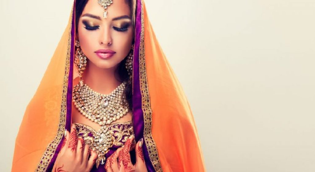 indian-woman-wearing-nature-inspired-jewelry-750x410