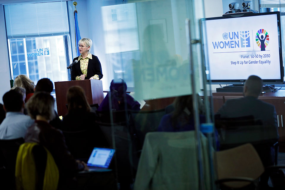 Minister for Foreign Affairs of Sweden, Margot Wallström delivers opening remarks at an interactive forum organized by UN Women, the Swedish Ministry of Foreign Affairs and the NGO Working Group on Women, Peace and Security, on 23 October in New York. Photo: UN Women/Ryan Brown