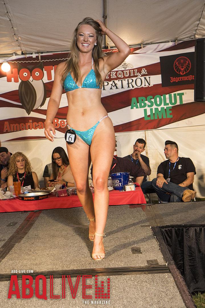 Valuable Hooters bikini photos