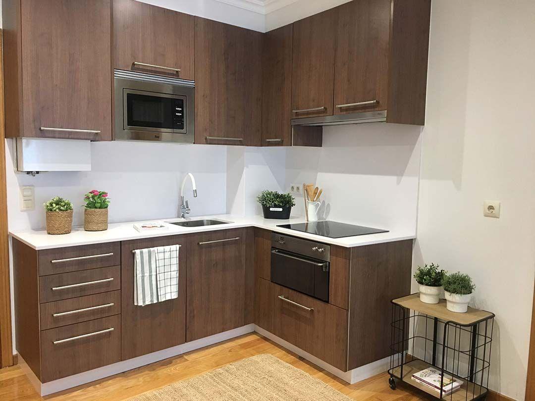 Abracadabra Decor Vigo Home Staging decora para vender o alquilar de estudio a apartamento - cocina