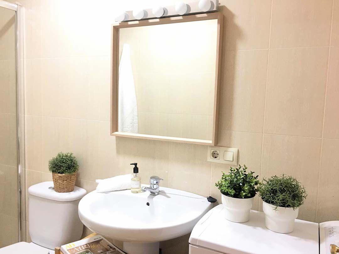 Abracadabra Decor Vigo Home Staging decora para vender o alquilar de estudio a apartamento - baño