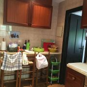 Abracadabra Decor Vigo Home Staging decora para alquiler vacacional Chalet en el Mediterráneo - cocina antes