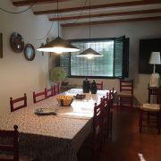 Abracadabra Decor Vigo Home Staging decora para alquiler vacacional Chalet en el Mediterráneo - comedor antes