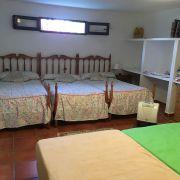 Abracadabra Decor Vigo Home Staging decora para alquiler vacacional Chalet en el Mediterráneo - habitaciones antes
