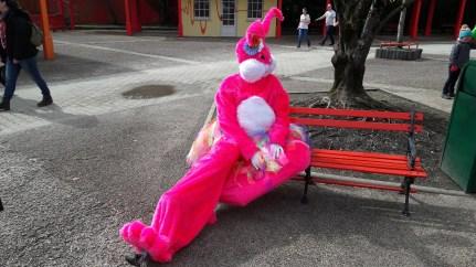 Lapinous' Foufous echassiers rebondissants loufoques parade animation evenementiel lapins fantaisie extravagance sautillants mascottes paques (60)
