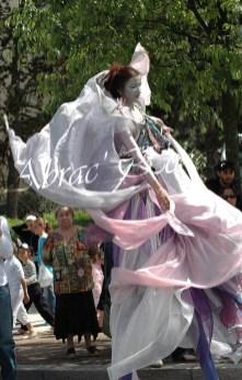 4 elements echassiers eau terre air feu sirene elfe maya cracheur de feu parade animation spectacle carnaval magique colores (3)