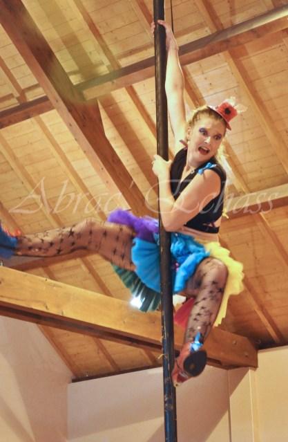 boite à merveilles spectacle rue cirque festival mat chinois fil de fer clowns jongleurs aerien girly kawai(67)