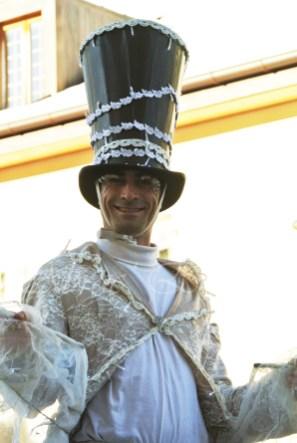 dentelles d'echass echassiers lumineux feeriques blancs parade animation evenementiel noel carnaval soirees blanches juspes originales leds g (55)