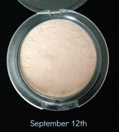 PP12 Essence Bloom Me Up Shimmer Powder