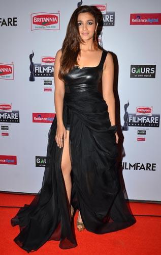 Alia Bhatt graces the red carpet at the 60th Britannia Filmfare Awards