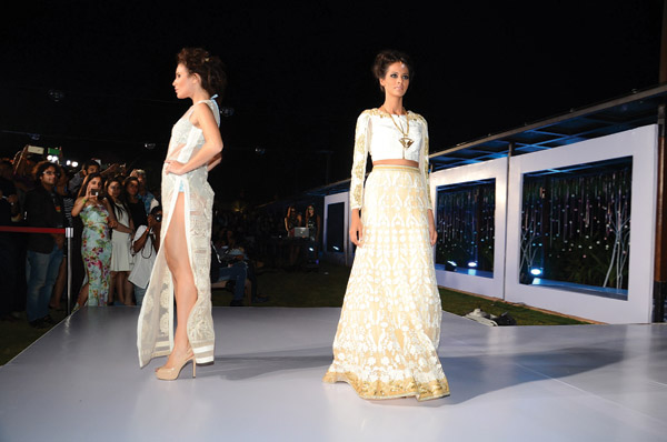 Gionee India FW - Designer Falguni and Shane Peacock - Day 3 Finale (13)