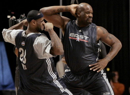 One has to  take  the  good , the  bad  and  the  ugly . O'Neal  and  James  auditioning  for  ' Dancing  With The Stars'  ......maybe .  Or  just getting  some  work  in  before  the  seriousness   starts  with  regard  to  the  upcoming   NBA  season.  It'll  be  make  or  break   for  both stars as   well   as  for the  Cavaliers'  organization.  They've   got  a  lot  riding  on the  success  of  the  duo.   picture  appears  courtesy  of  ap/photo/  Daniel   Garrard  .......................