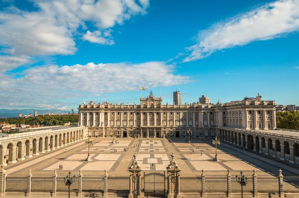 Pics from http://www.europeanbestdestinations.com/destinations/madrid/