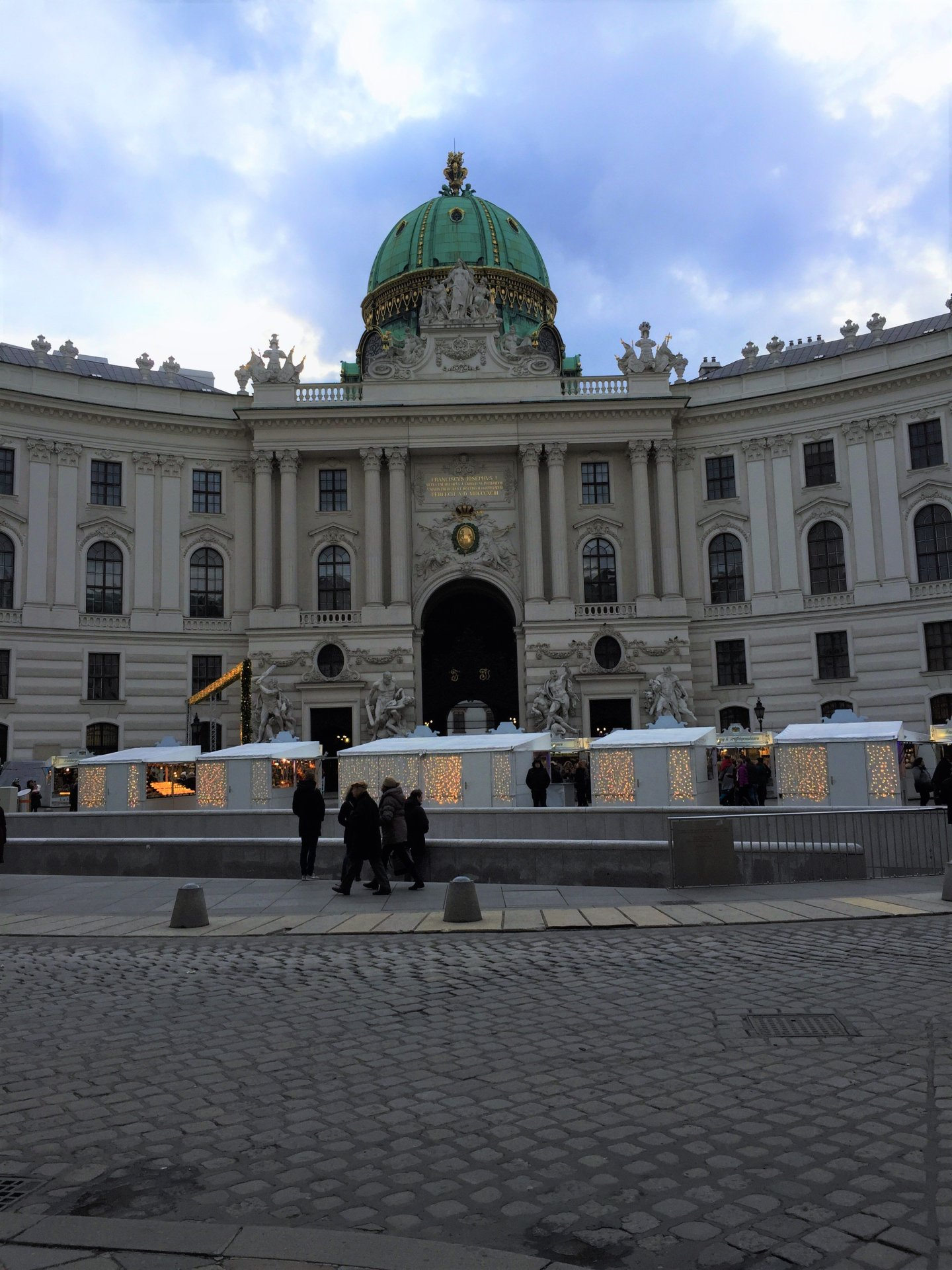 Christmas market at Michaelerplatz, the entrance to the Hofburg Palace