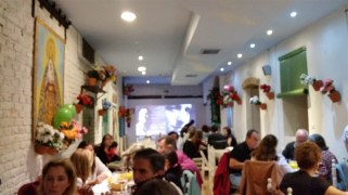 A festive atmosphere for an Andalusian lunch (this was at 3 p.m.)