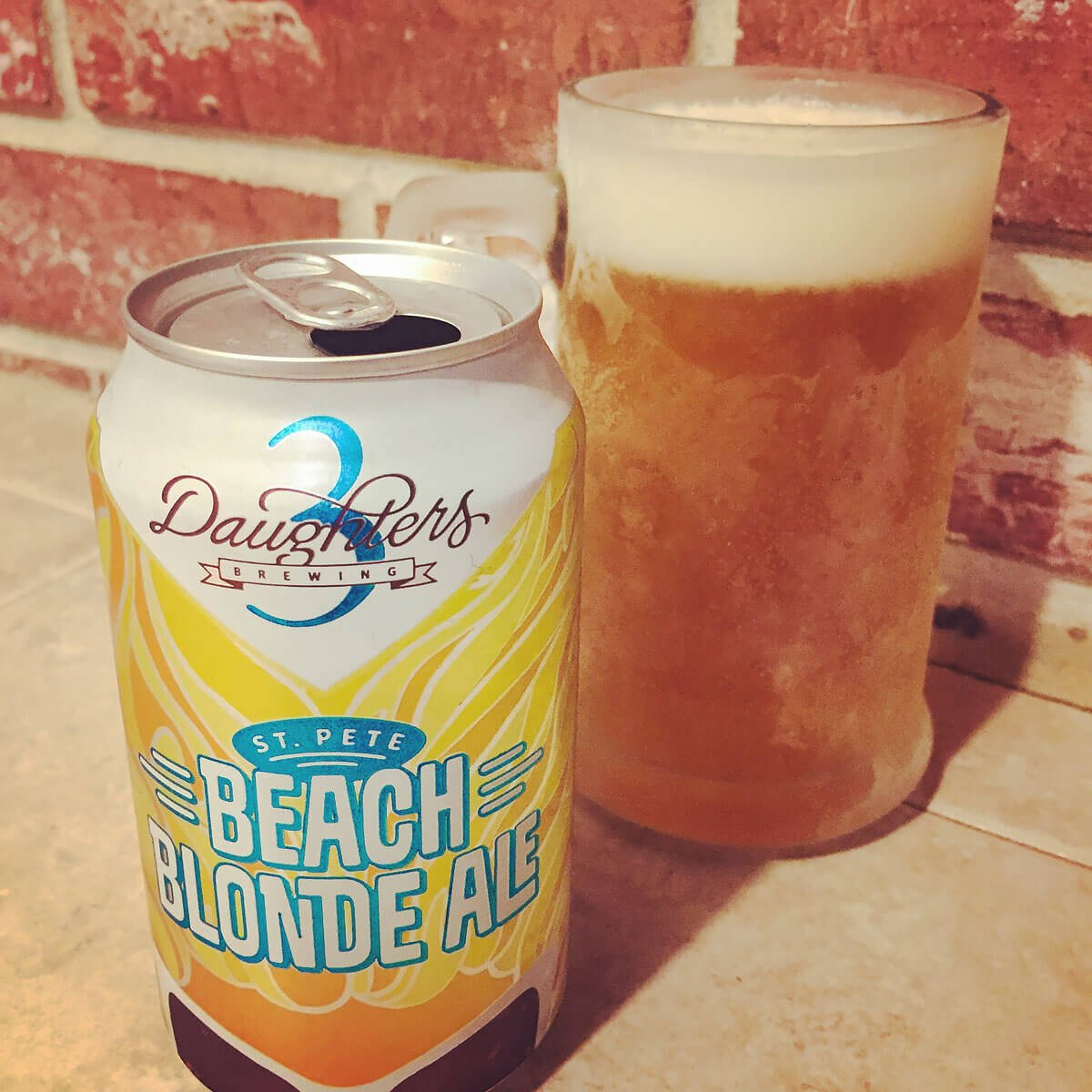 St. Pete Beach Blonde Ale, an American Blonde Ale by 3 Daughters Brewing