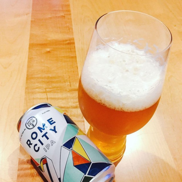 Rome City is an award-winning American IPA by Brew Hub that packs a hefty dose of hoppy goodness at a relatively low ABV.