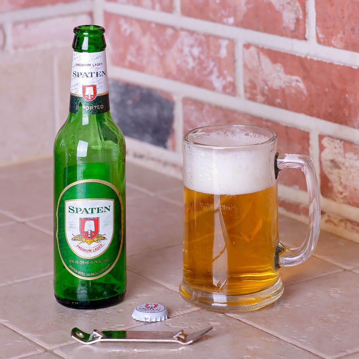 Spaten Premium Lager (Münchner Hell) is a Munich Helles Lager by Spaten-Franziskaner-Bräu that balances cracker malt and noble hops.