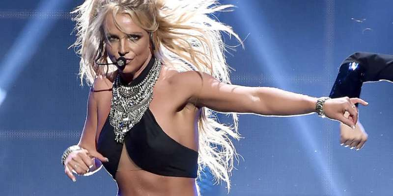 Britney Spears Shuts Down The Haters!