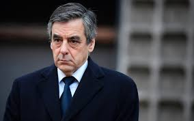 France: Presidential candidate fights back a corruption scandal