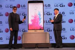 Mr. Amitabh Bachchan and Mr. Soon Kwon, Managing Director, LG Electronic...