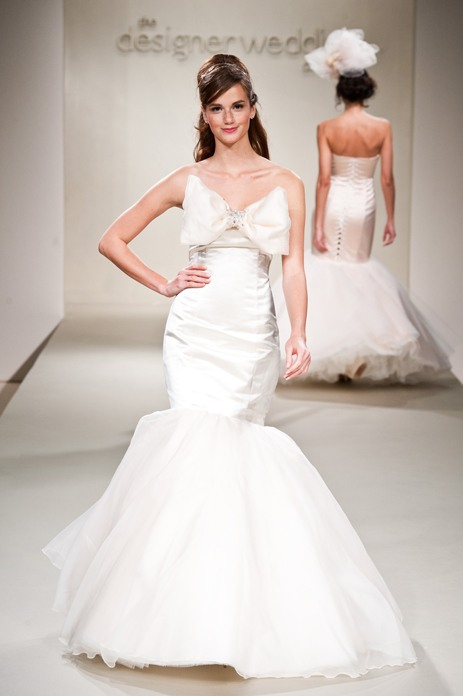 5 tips for savvy wedding gown sale shopping