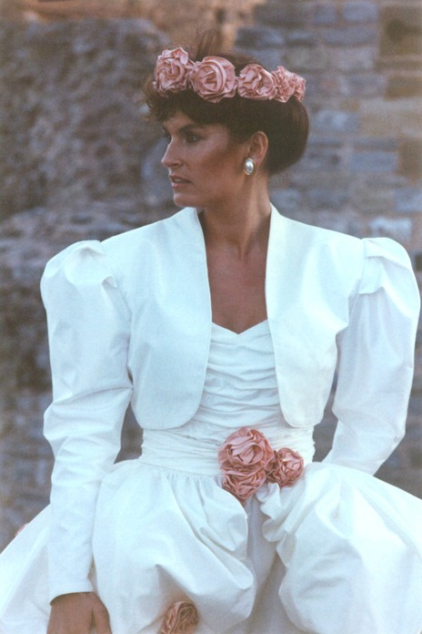1980s fashion moment: Sassi Holford \'convertible\' wedding gown