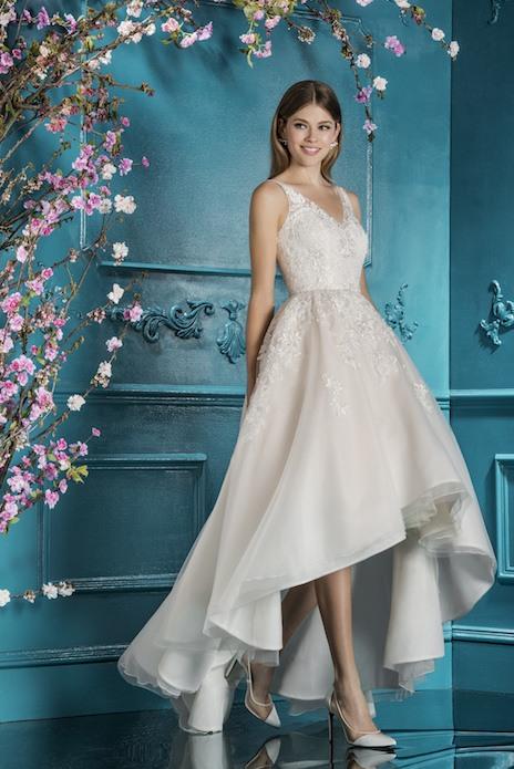 Bridal trend: Join the train gang with a hi-lo wedding gown