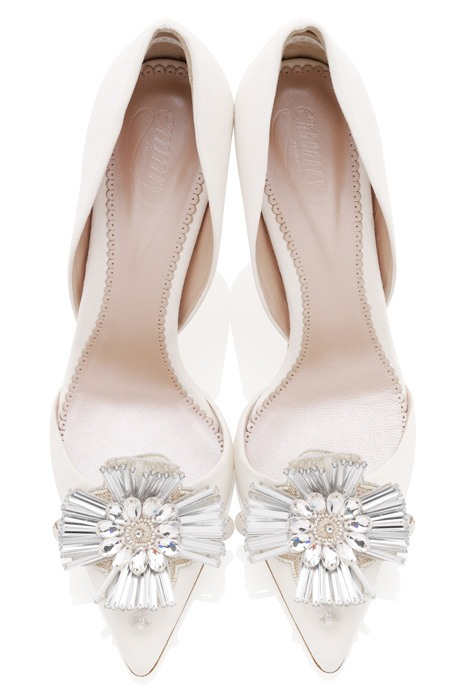 Bridal shoes: Walk tall