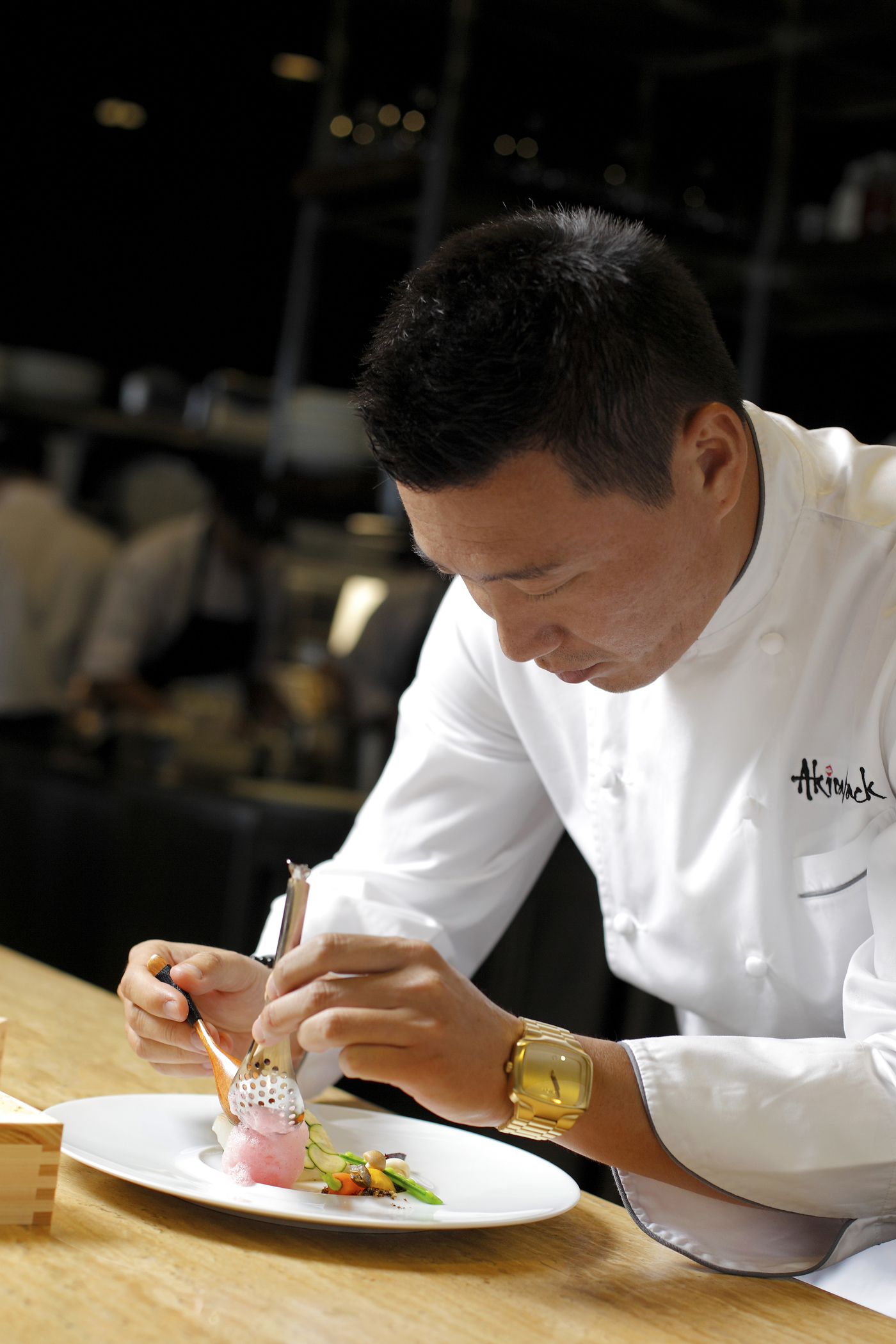 chef akira back focus plating absteak la